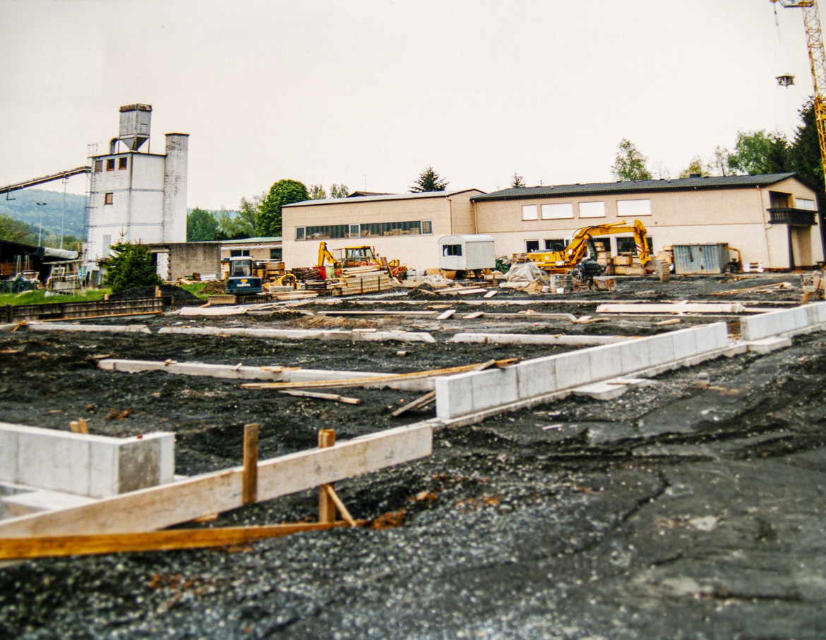 Start of construction in 1999