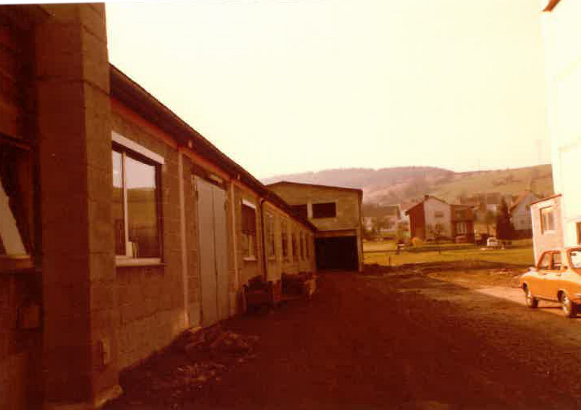 Construction of the production hall and offices